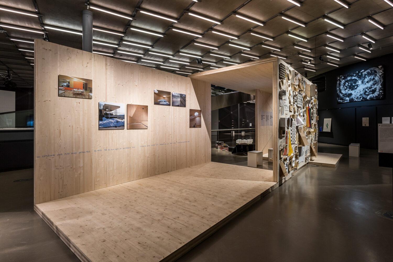 Ausstellungsansicht Brettsperrholz, Foto: Kunsthaus Graz/M. Grabner