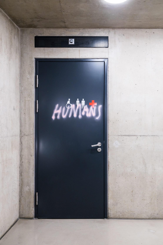 Elke Auer, HIER WASSER LASSEN, 2021, Foto: Kunsthaus Graz/Martin Grabner, © Bildrecht, Vienna, 2021