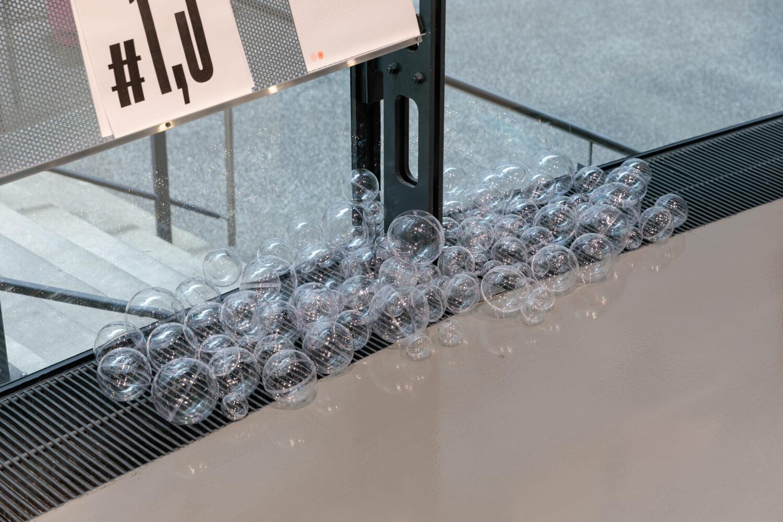Markus Wilfling, Blubber, 2013/2020 © Bildrecht, Wien, 2021, Ausstellungsansicht, Foto: Kunsthaus Graz/N. Lackner