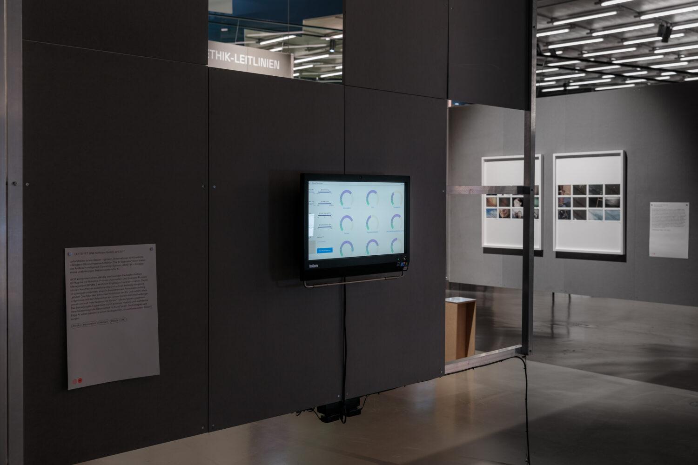 LEFTSHIFT ONE Ausstellungsansicht, Foto: Kunsthaus Graz/N. Lackner