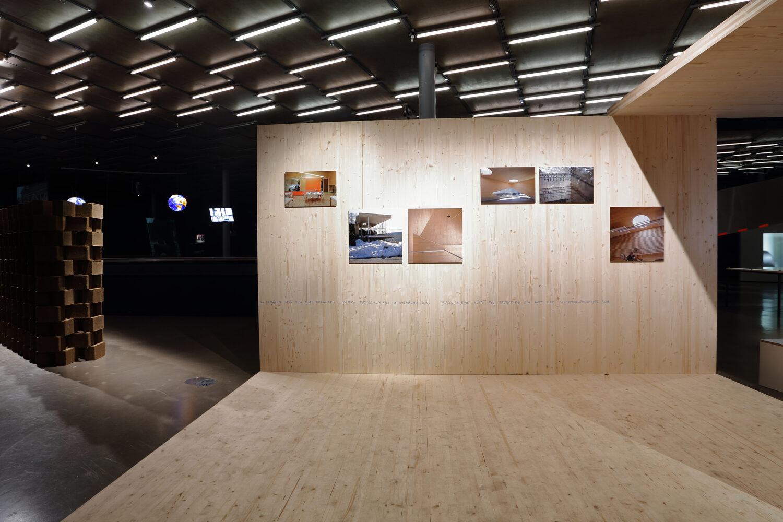 Zita Oberwalder, (surprising) chrysalis, 2021 Ausstellungsansicht, Foto: Kunsthaus Graz/J.J. Kucek