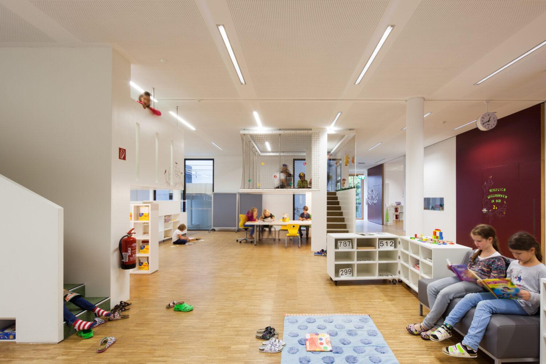 Christoph Kalb und Philipp Berktold Architekten mit Susanne Bertsch, Volkschule Mariagrün, 2011–2014 Foto: Markus Kaiser, Architekturfotografie: www.markus-kaiser.at